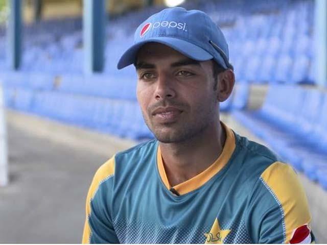 بیٹنگ میں اپنی کارکردگی سے خوش، بولنگ میں بہتری لانے کیلیے کوشاں ہوں، شاداب خان : فوٹو : فائل