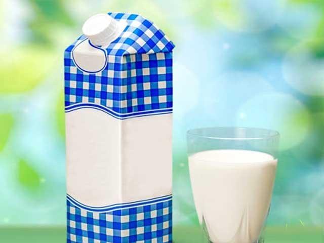 سندھ حکومت کو خیال نہیں آیا کہ کراچی کے لوگوں کو معیاری دودھ پلائیں، چیف جسٹس کا استفسار، فوٹو: فائل
