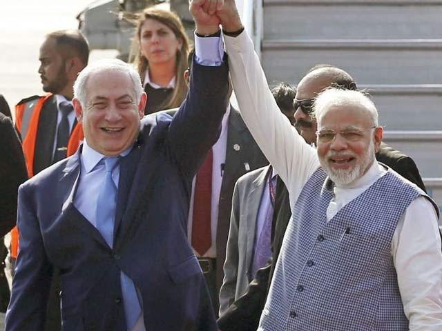 اسرائیلی وزیراعظم 130 رکنی وفد کے ساتھ بھارت کا 6 روزہ دورہ کررہے ہیں۔ فوٹو: فائل