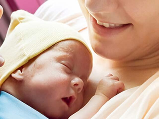 کیلیفورنیا کے ماہرین نے کہا ہے کہ جو خواتین اپنے بچوں کو ایک سال تک دودھ پلائیں ان میں ذیابیطس کا خطرہ بہت کم ہوجاتا ہے۔ فوٹو: فائل
