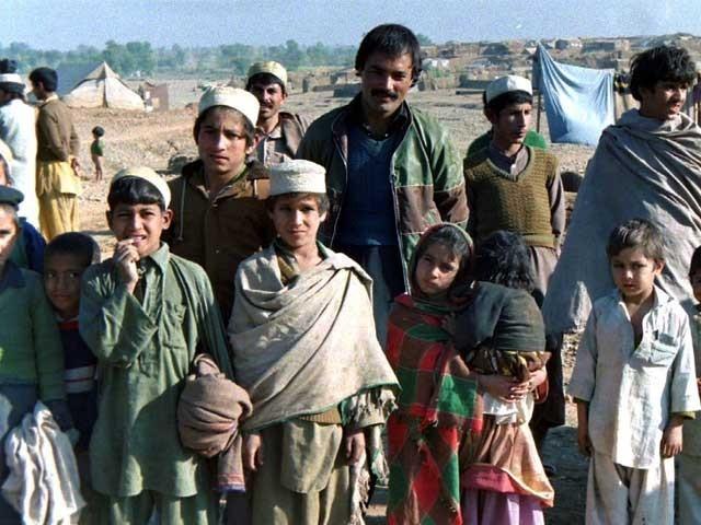 پاکستان نے افغان پناہ گزینوں پر20 کروڑ ڈالرخرچ کرنیکا مطالبہ مسترد کردیا فوٹو: فائل