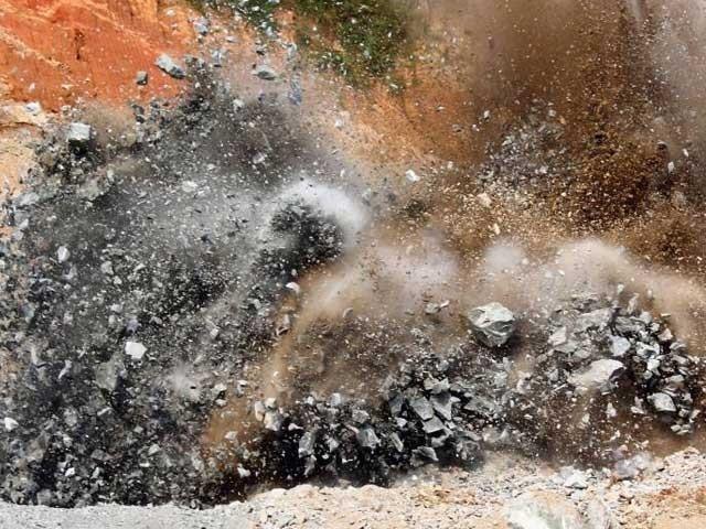 مقبوضہ کشمیر میں بارودی سرنگ کے دھماکے میں ایک شہری جاں بحق ہو گیا۔ فوٹوفائل