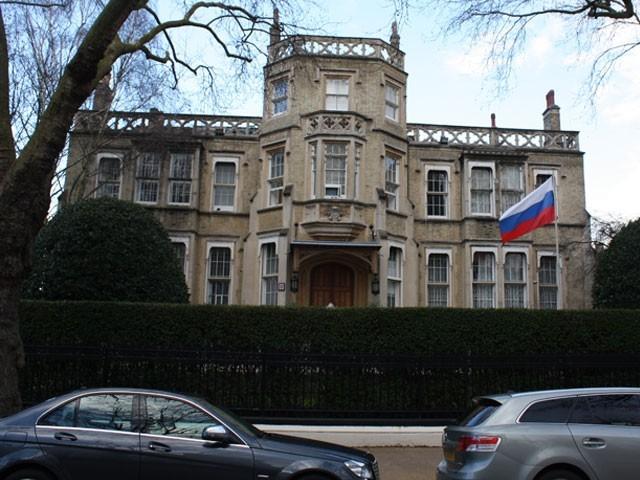 برطانوی وزیر یا شاہی خاندان کا فرد روس میں فٹبال ورلڈکپ میں شرکت نہیں کرے گا، تھریسامے فوٹو:فائل