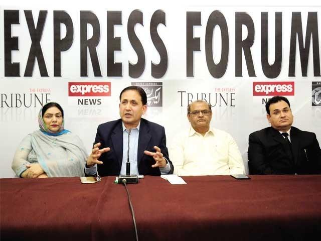 پی پی، پی ٹی آئی سینیٹ اتحاد نہیں چل پائے گا، ارم خالد، آئندہ وزیر اعظم سندھ سے ہو سکتا ہے، محمد علی گیلانی، ایکسپریس فورم میں گفتگو۔ فوٹو: ایکسپریس