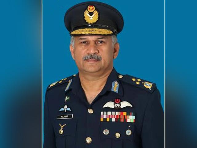 مجاہد انورخان نے پاکستان ائیرفورس کی جی ڈی پی برانچ میں دسمبر 1983 میں کمیشن حاصل کیا،: فوٹو: فائل