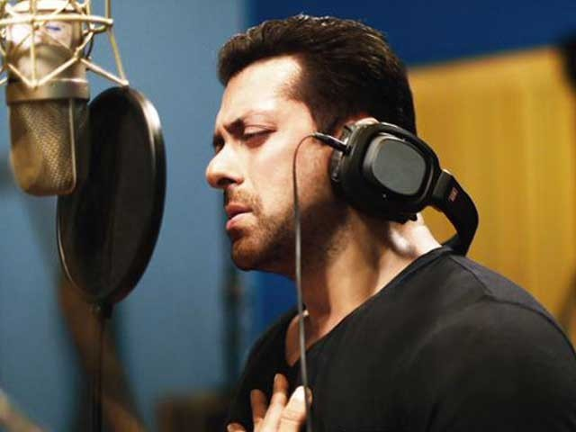 سلمان خان کی فلم 'ریس تھری' کی شوٹنگ آخری مراحل میں ہے۔ فوٹو؛ فائل