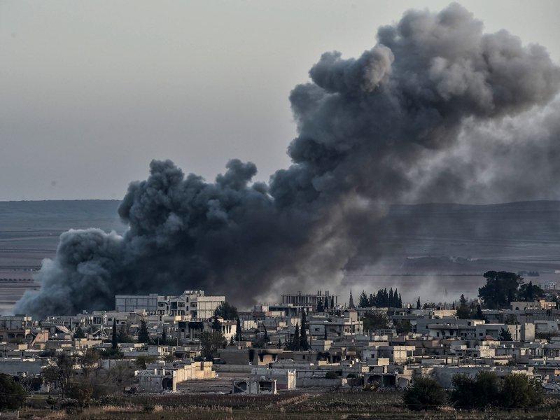 7 برسوں میں 5 لاکھ شامی ہلاک ہو چکے، ایک کروڑ 20 لاکھ افراد اپنا گھر چھوڑنے پر مجبور ہوئے، اقوام متحدہ۔ فوٹو : اے ایف پی