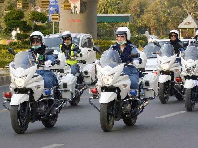 موٹر سائیکل سوار ریلی میں جگنو محسن ، جگن کاظم، سوہائے علی ابڑو اور میرا سیٹھی بھی شرکت کریں گی۔ فوٹو: فائل