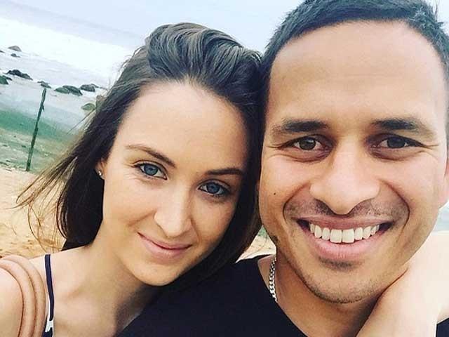 31 سالہ عثمان خواجہ اور 22 سالہ ریچل میکلیلن اگلے ماہ شادی کے بندھن میں بندھ جائیں گے فوٹو:انٹرنیٹ