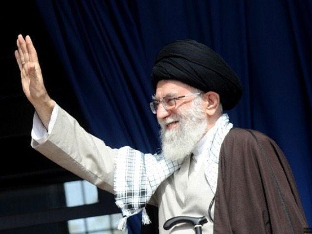 آیت اللہ خامنہ ای ایران کے روحانی اور آئینی طور پر سپریم لیڈر ہیں۔ فوٹو : فائل