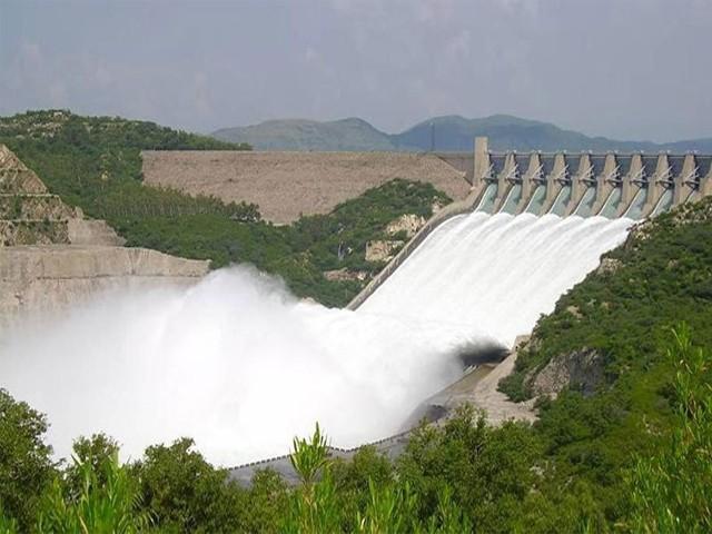 دستیاب پانی کو ذخیرہ نہ کرنے کے باعث پاکستان کو سالانہ 35 ارب ڈالر کا نقصان ہو رہا ہے، فوٹو: انٹرنیٹ
