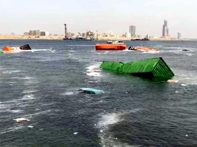حادثے کے اسباب کا پتا چلا کر ذمے داروں کے خلاف کارروائی کی جائے اور بندرگاہ پر رہ جانے والی خامی دور کی جائے، فوٹو: فائل