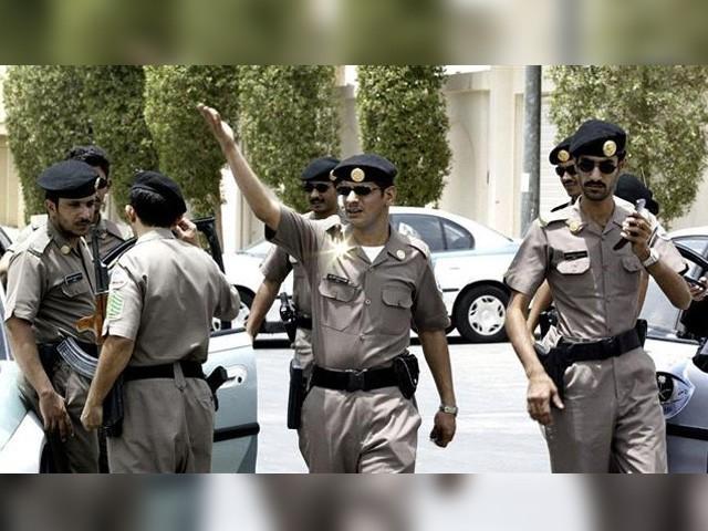 سعودی ولی عہد محمد سن سلیمان کو سیکیورٹی اداروں نے فوری طور پر ایک محفوظ بنکر میں منتقل کردیا (فوٹو: فائل)