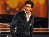 فلم کے کردار کی تیاری کے لیے مجھے ادتیہ کے ساتھ  مل کر 2 ماہ تک کام کرنا ہوگا، شاہ رخ خان (فوٹو: فائل)