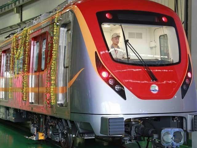 وزیراعلیٰ پنجاب شہباز شریف آج اورنج لائن ٹرین کے دوسرے آزمائشی سفر کا افتتاح کریں  فوٹو:انٹرنیٹ