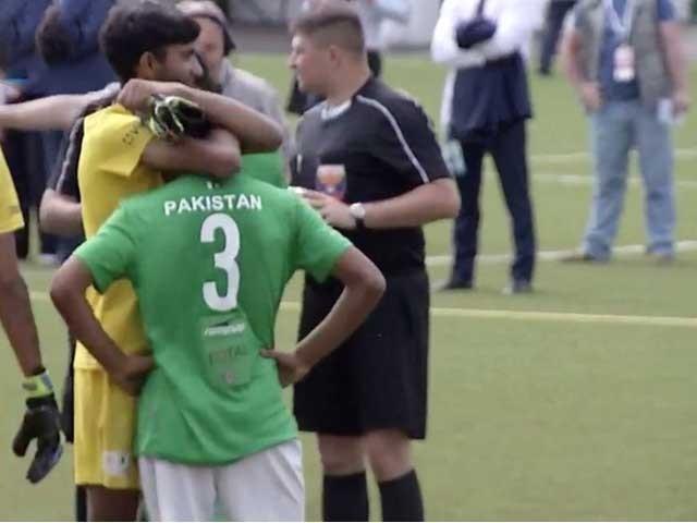 ازبکستان نے پاکستان کے خلاف 5 کے مقابلے میں 6 گولز سے فتح حاصل کر لی فوٹو:اسکرین گریب