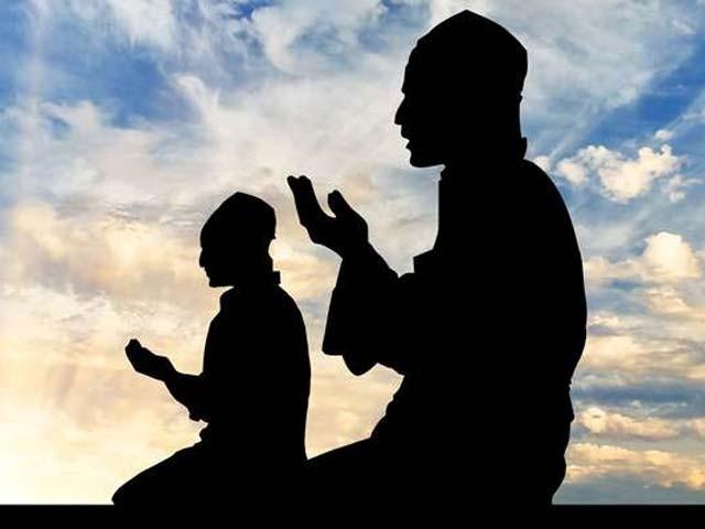 رمضان شریف کی برکت سے جنت کے دروازے کھول دیے جاتے ہیں۔ فوٹو : فائل