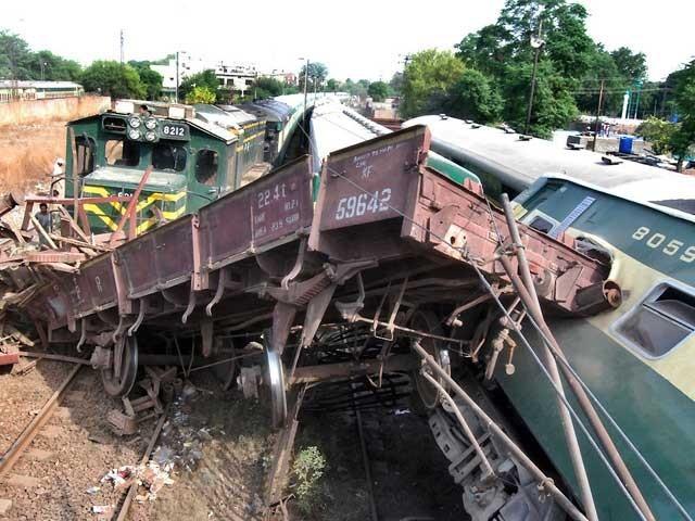 حادثے میں کوئی جانی نقصان نہیں ہوا، ترجمان ریلوے،فوٹو:  این این آئی