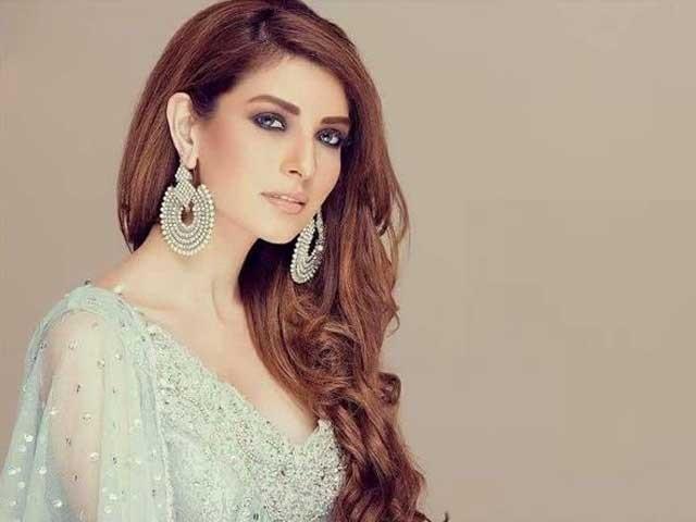 دیکھاجائے توہماری فلموں کی پسندیدگی میں بھی ہردن اضافہ ہورہا ہے، پاکستانی فنکارکسی سے کم نہیں، اداکارہ وماڈل۔ فوٹو : فائل