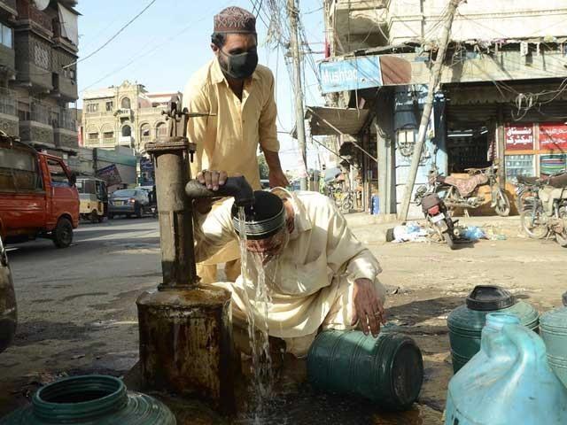 آج کراچی کا ذیادہ سے ذیادہ درجہ حرارت 37 سے 39 ڈگری سینٹی گریڈ تک جاسکتا ہے فوٹو:آن لائن