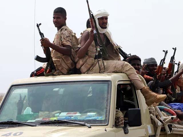 یمن کی بندرگاہ کے قبضے کے لیے اتحادی فوج اور باغیوں کے درمیان جنگ گزشتہ شب شروع ہوئی۔ فوٹو : فائل