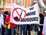 یورپ اور ڈنمارک کا سب سے بڑا مسئلہ مسلمانوں کے خلاف بڑھتی نفرت ہے۔ فوٹو: انٹرنیٹ