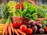 ماہرین نے کہا ہے کہ اگلی صدی کے آغاز تک سبزیوں کی پیداور میں شدید کمی واقع ہوگی۔ فوٹو: فائل
