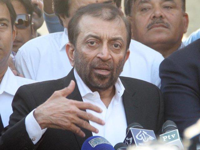 سندھ میں ایم کیوایم کا ووٹ تقسیم نہیں ہوناچاہئے، فاروق ستار فوٹو: فائل