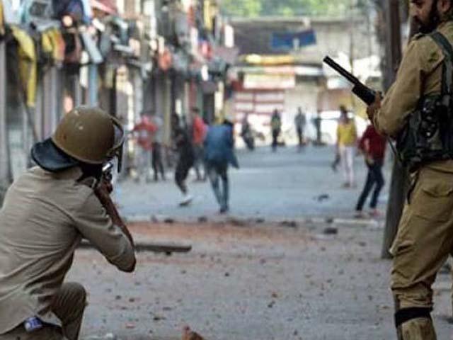 عید الفطر کی نماز کے بعد بھارتی فوج نے اندھا دھند فائرنگ کی جس کے نتیجے میں نوجوان شہید ہوگیا، کشمیر میڈیا سیل۔  فوٹو: فائل