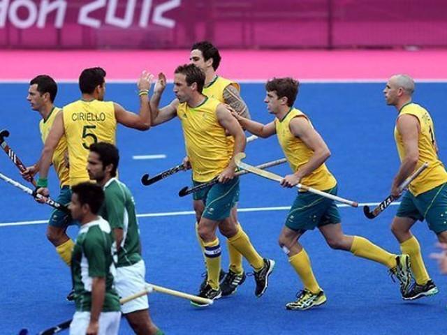 قومی ٹیم اپنا اگلا میچ منگل کو ہالینڈ کے خلاف کھیلے گی۔فوٹو: فائل
