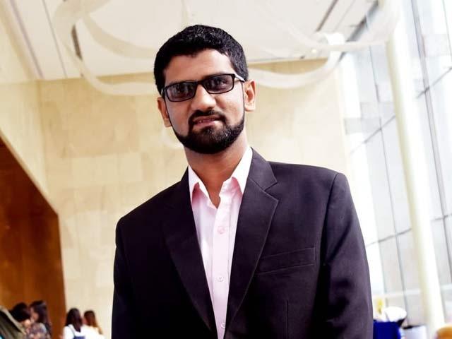 محمد وقاص عثمان نےپہلی مرتبہ خون کےسرخ خلیات کے ای وی کو آراین اے تھراپی کیلیےاستعمال کیا فوٹو:وقاص