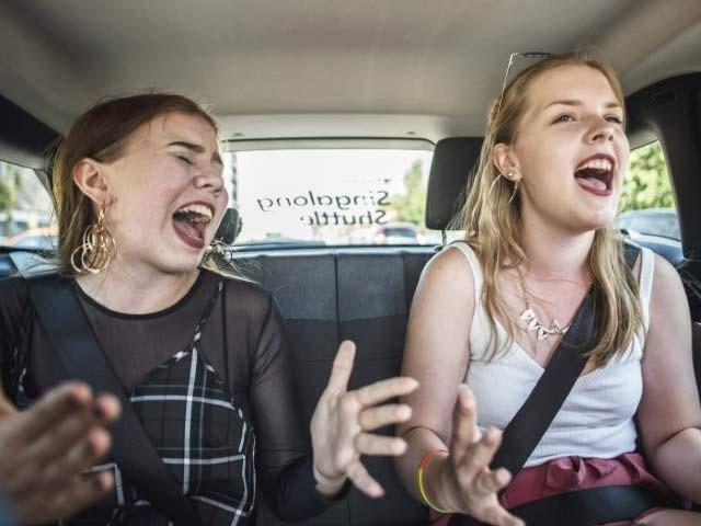فن لینڈ میں ٹیکسی میں گاتے جائیں اور بلامعاوضہ صبر کرتے رہیں۔ فوٹو: بشکریہ میش ایبل