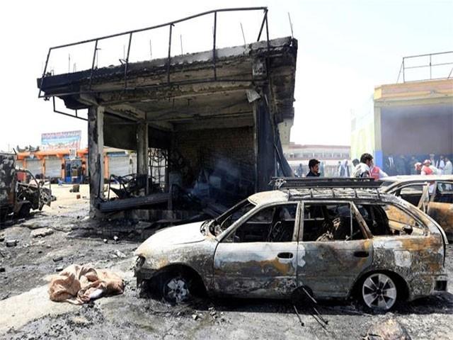 ایک خودکش حملہ آور نے سیکیورٹی چیک پوائنٹ کے قریب خود کو دھماکے سے اڑالیا (فوٹو: رائٹرز)