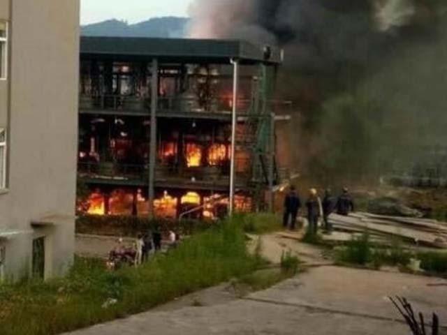 حادثے کے 12 زخمیوں میں سے 4 کی حالت نازک بتائی جارہی ہے۔ فوٹو : ٹویٹر