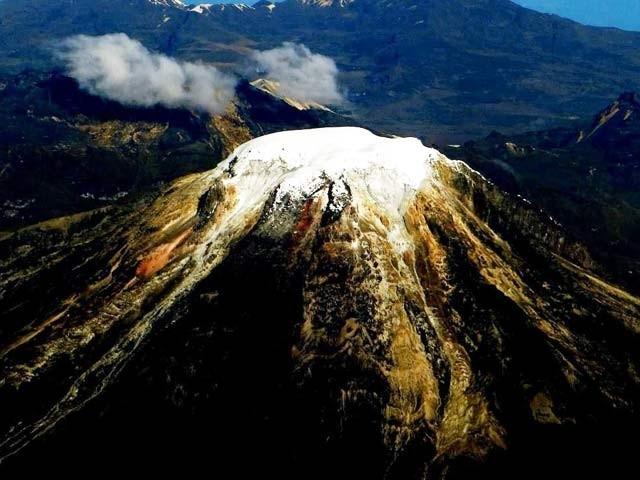 کولمبیا میں پہاڑی گلیشیئر بہت تیزی سے پگھل رہے ہیں۔ فوٹو: بشکریہ رائٹرز