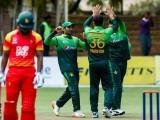 پاکستان نے زمبابوے کو جیت کے لیے 365 رنز کا ہدف دیا تھا ۔ (فوٹو: فائل)