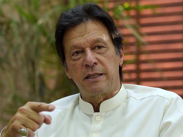 پاکستان کو ترقی یافتہ بنانے کیلئے چین کے نقش قدم پر چلنا ہوگا، چیئرمین تحریک انصاف۔ فوٹو : اے ایف پی