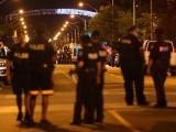 پولیس کی جوابی فائرنگ سے حملہ آور بھی مارا گیا  (فوٹو: رائٹر)