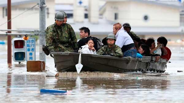 Japan-havy-rain,-land-sliding-100-dies,-2-million-effected-2