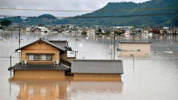 Japan-havy-rain,-land-sliding-100-dies,-2-million-effected-3
