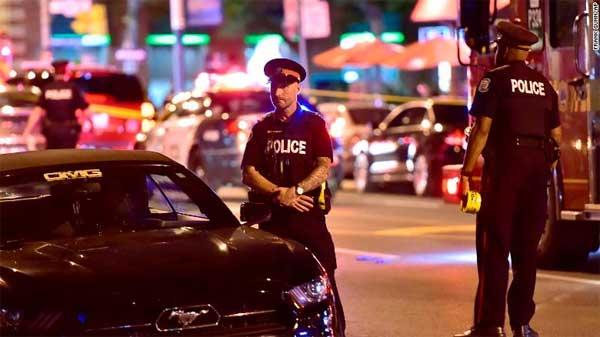 Toronto-firing-two-killed-12-injured-2