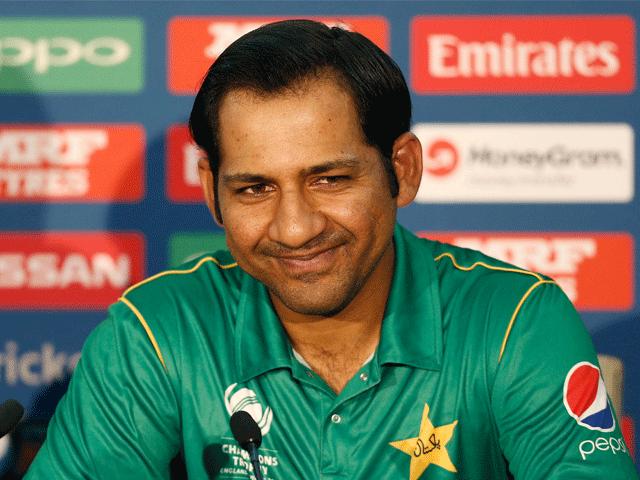 سابق کپتان اظہر علی نے بھی قومی ٹیم کیلیے نیک خواہشات کا اظہار کیا ہے۔  فوٹو:فائل