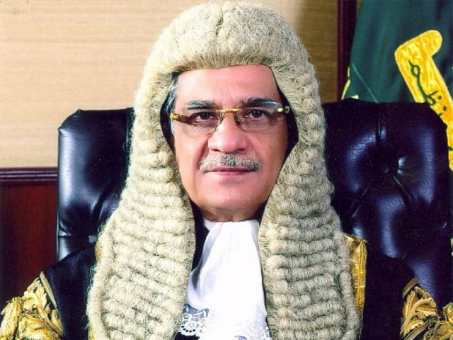 موجودہ چیف جسٹس کے دور میں عوام کا عدالتوں پر اعتماد بڑھا ہے۔ فوٹو: انٹرنیٹ