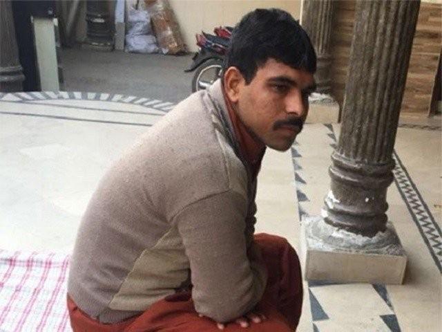 عدالت نے  1 فروری کو  مجرم عمران کو 4 بار سزائے موت سنائی تھی فوٹو: فائل