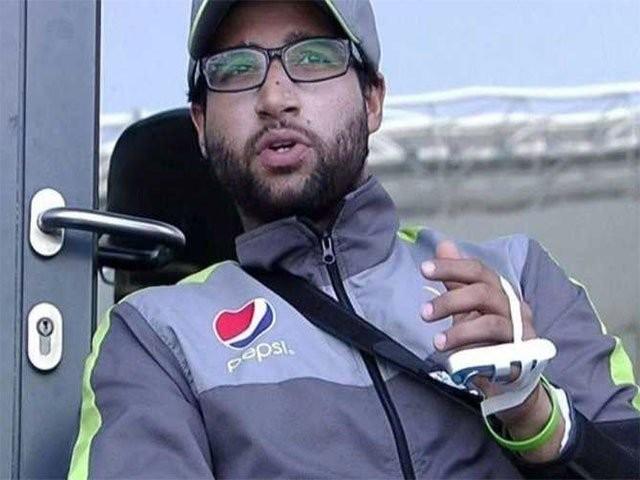 امام الحق آسٹریلیا کے خلاف دبئی ٹیسٹ میں فیلڈنگ کرتے ہوئے زخمی ہوگئے تھے۔فوٹو:فائل