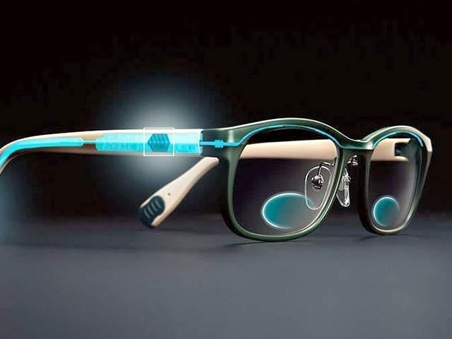 جاپانی کمپنی نے ازخود فوکس ہونے والی عینک تیار کی ہے۔ فوٹو: نیو اٹلس