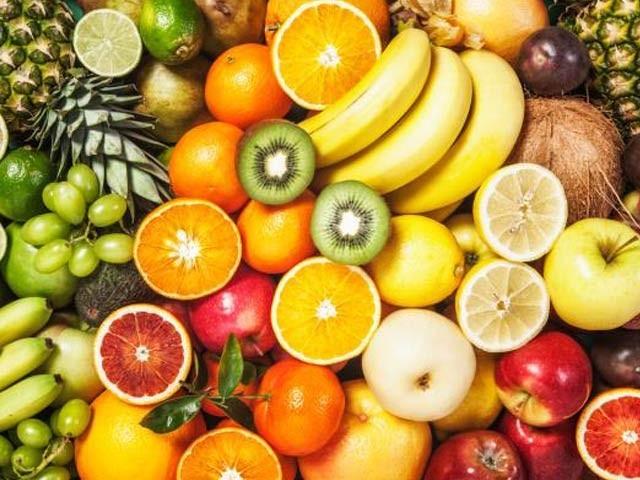فلیوینوئڈز کی ہزاروں اقسام کو مجموعی طور پر وٹامن پی میں شمار کیا جاتا ہے جو ان پھلوں میں بکثرت پایا جاتا ہے (فوٹو: فائل)