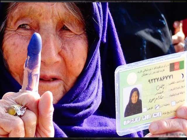 افغانستان کےلیے یہ انتخابات کسی طور بھی پائیدار ثابت نہیں ہوسکتے۔ فوٹو: انٹرنیٹ