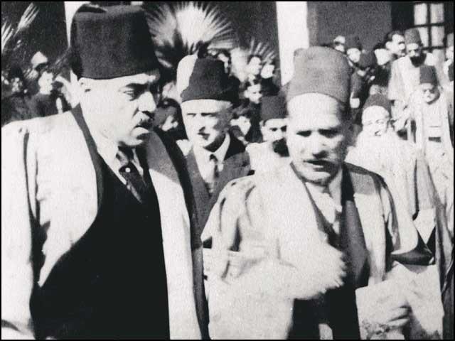 علامہ اقبال کا دورہ علی گڑھ یونیورسٹی: سر راس مسعود کے ساتھ ایک یادگار و نایاب تصویر۔ (فوٹو: انٹرنیٹ)