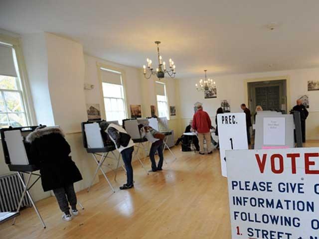 ڈیموکریٹ پارٹی نے ایوان نمائندگان میں ری پبلکنز سے 26 نشستیں چھین لی ہیں فوٹو:اے ایف پی
